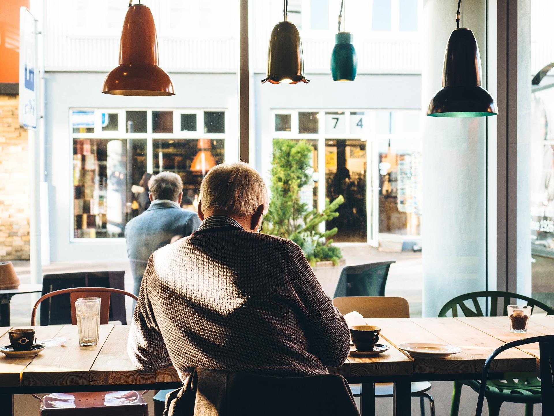 prostata - sfatulparintilor.ro - pixabay_com - cafe-569349_1920