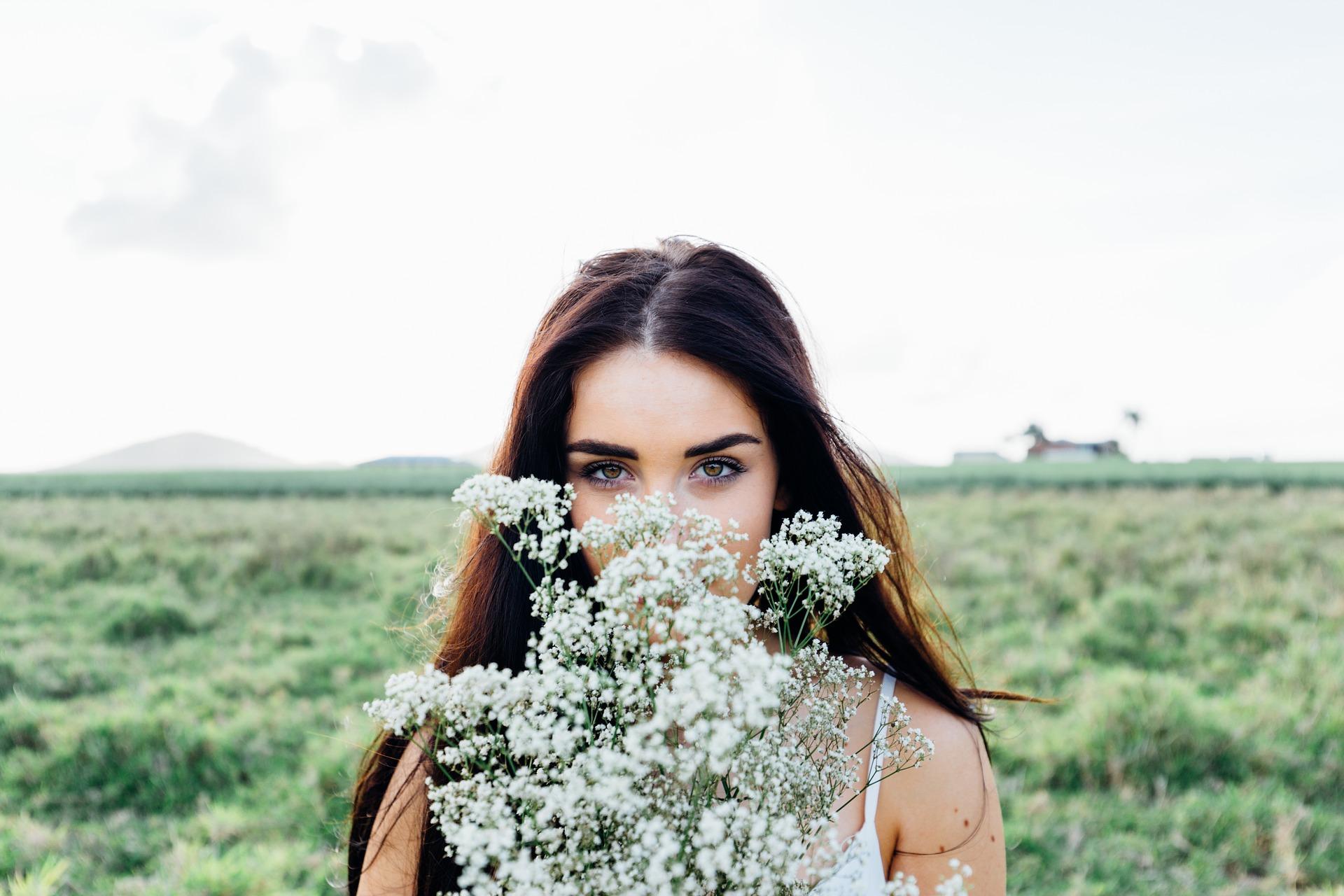 tratament candida - fatulparintilor.ro - pixabay_com - young-woman-1149643_1920