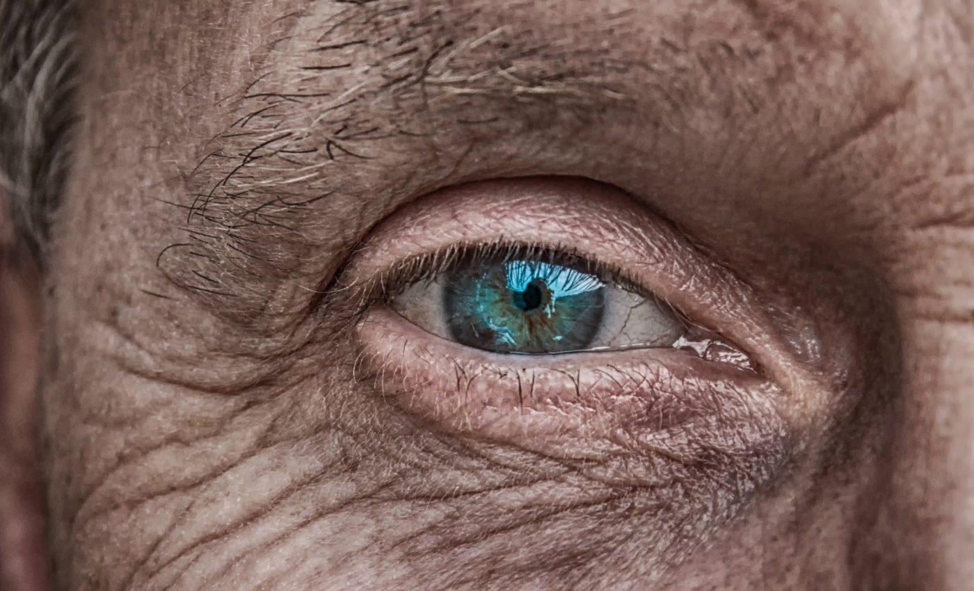 Povestea unei mame cu un singur ochi - sfatulparintilor.ro - pixabay_com - skin-3358873_1920