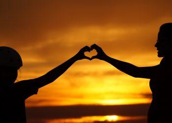 Cum sa educi copilul ca sa se simta iubit