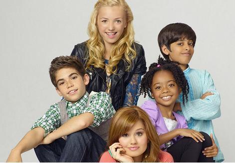 sfatulparintilor.ro - Radeti pe cinste cu Jessie, noul serial de la Disney Channel