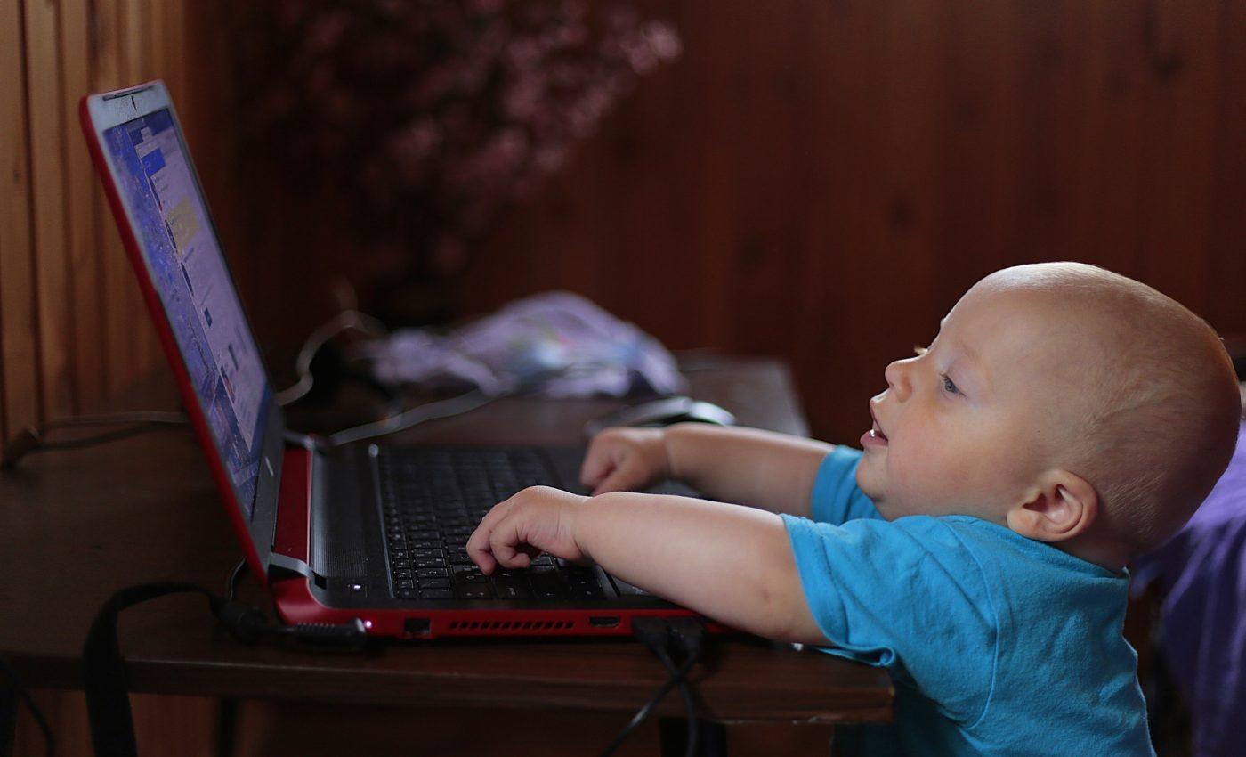Efectele ecranelor asupra sanatatii copiilor