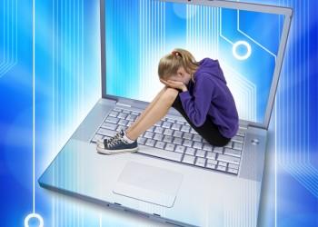 sfatulparintilor.ro - Despre internet: Află la ce pericole sunt supuşi copiii
