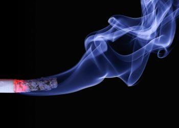 legătură între fumatul în timpul sarcinii şi autism