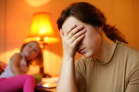 sfatulparintilor.ro-Părinţi şi copii: Ce ai de făcut dacă eşti un părinte anxios