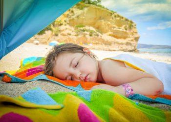 insolatie la copii - sfatulparintilor.ro - pixabay_com - girl-2501091_1920