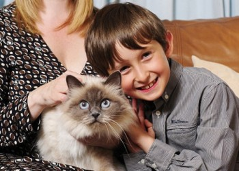 A fost învăţat să vorbească de pisica lui - Credit foto RTV.NET