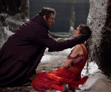 HUGH-JACKMAN-ANNE-HATHAWAY-Les-Misérables