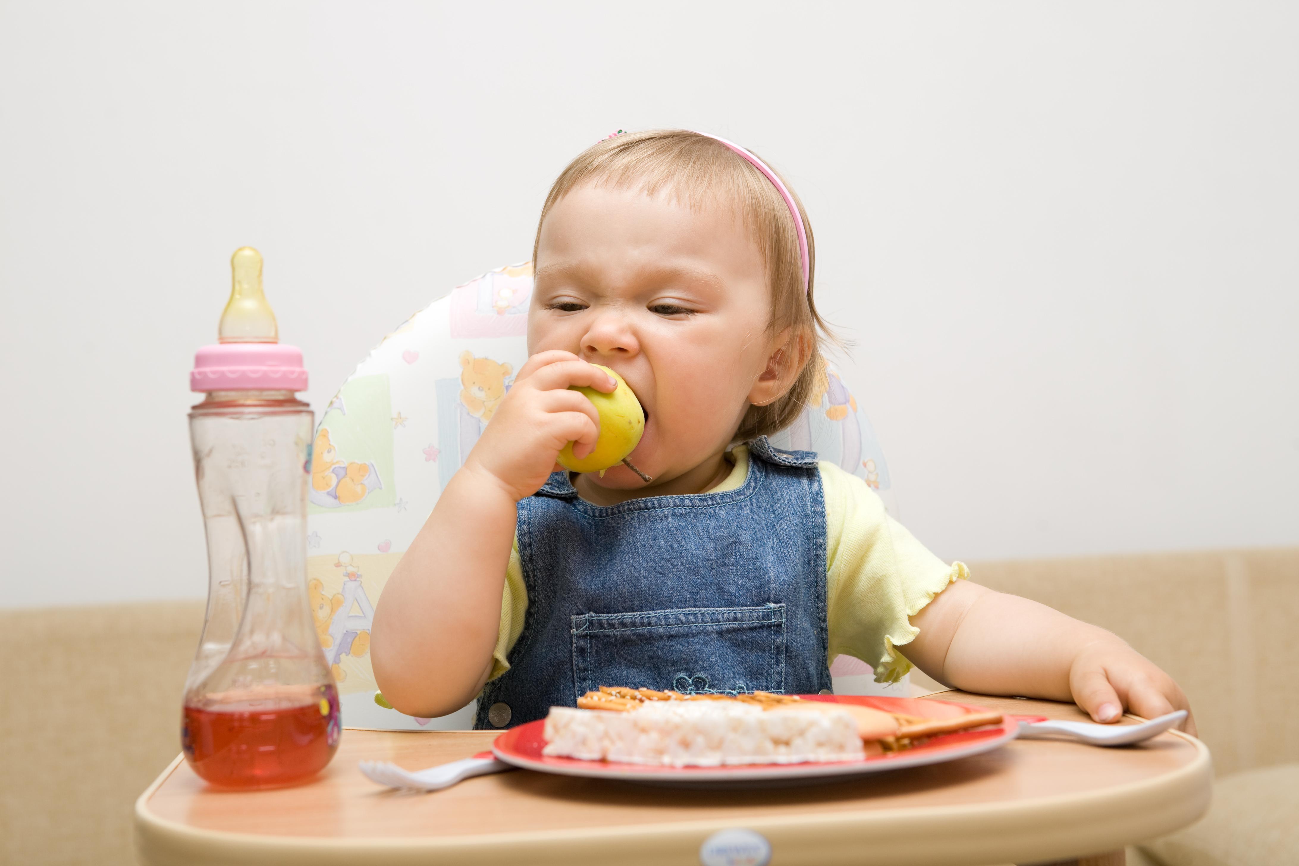 sfatulparintilor.ro - alimente sanatate copii - stockfreeimages.com