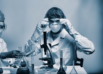 celule stem - laborator - stockfreeimages.com