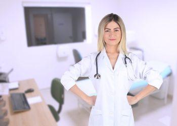 analize medicale pe care orice femeie trebuie să le facă - sfatulparintilor.ro - pixabay_com - woman-6018388_1920