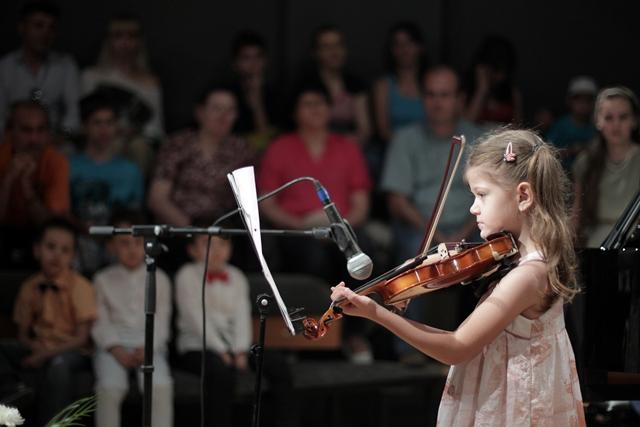 Boem Club_interpret vioara