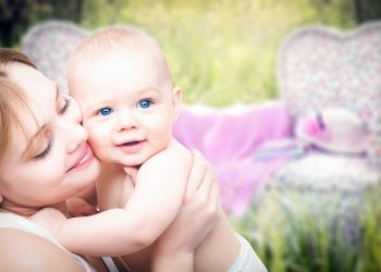 alimentatie bebelusi - sfatulparintilor.ro - pixabay_com - mothers-3389671_1920