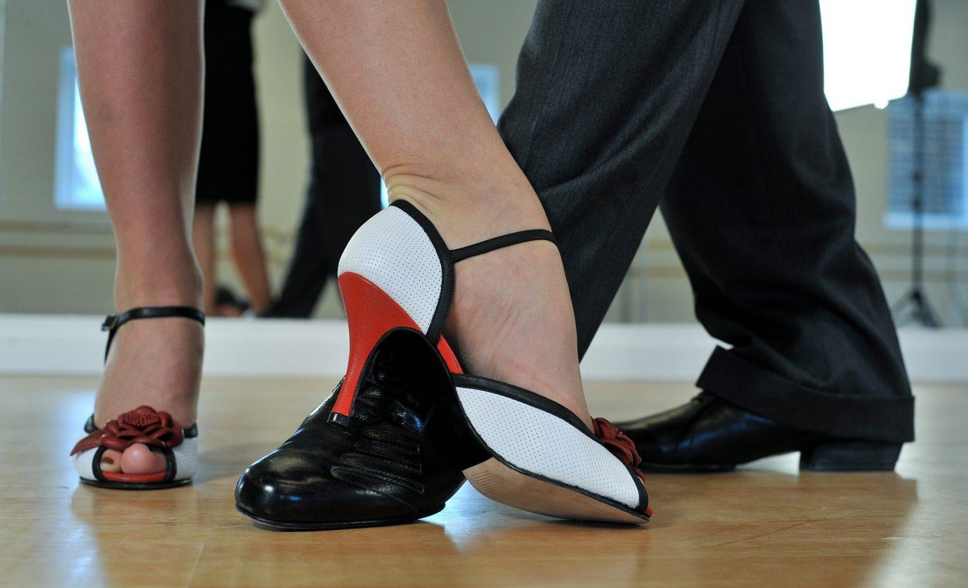 Activitati care reduc nivelul stresului - sfatulparintilor.ro - pixabay_com - argentine-tango-2079964_1920