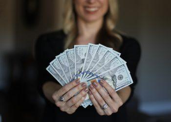 cum sa iti cresti inteligenta financiara