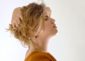 sfatulparintilor.ro - femeie fibrom uterin - stockfreeimages.com