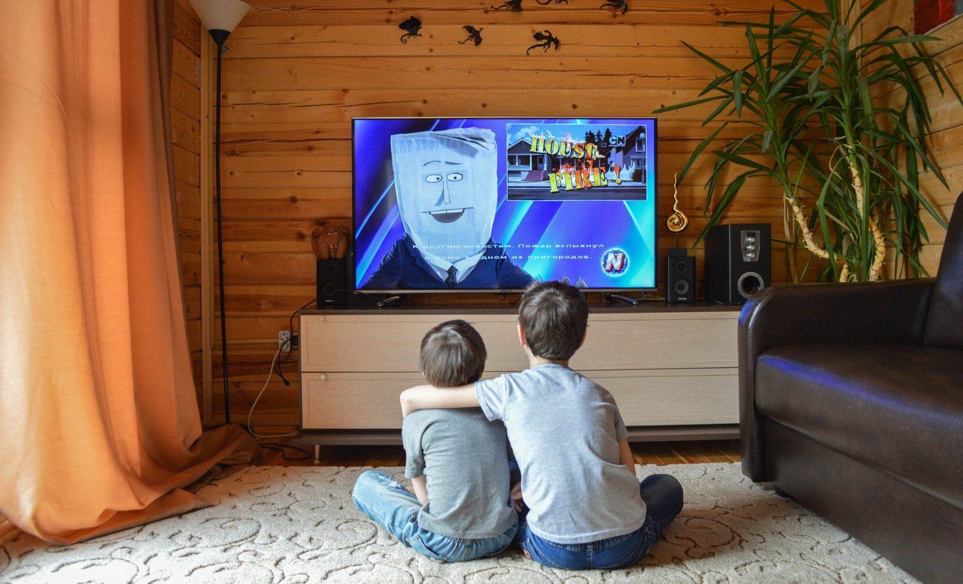Cum afecteaza televizorul creierul copilului