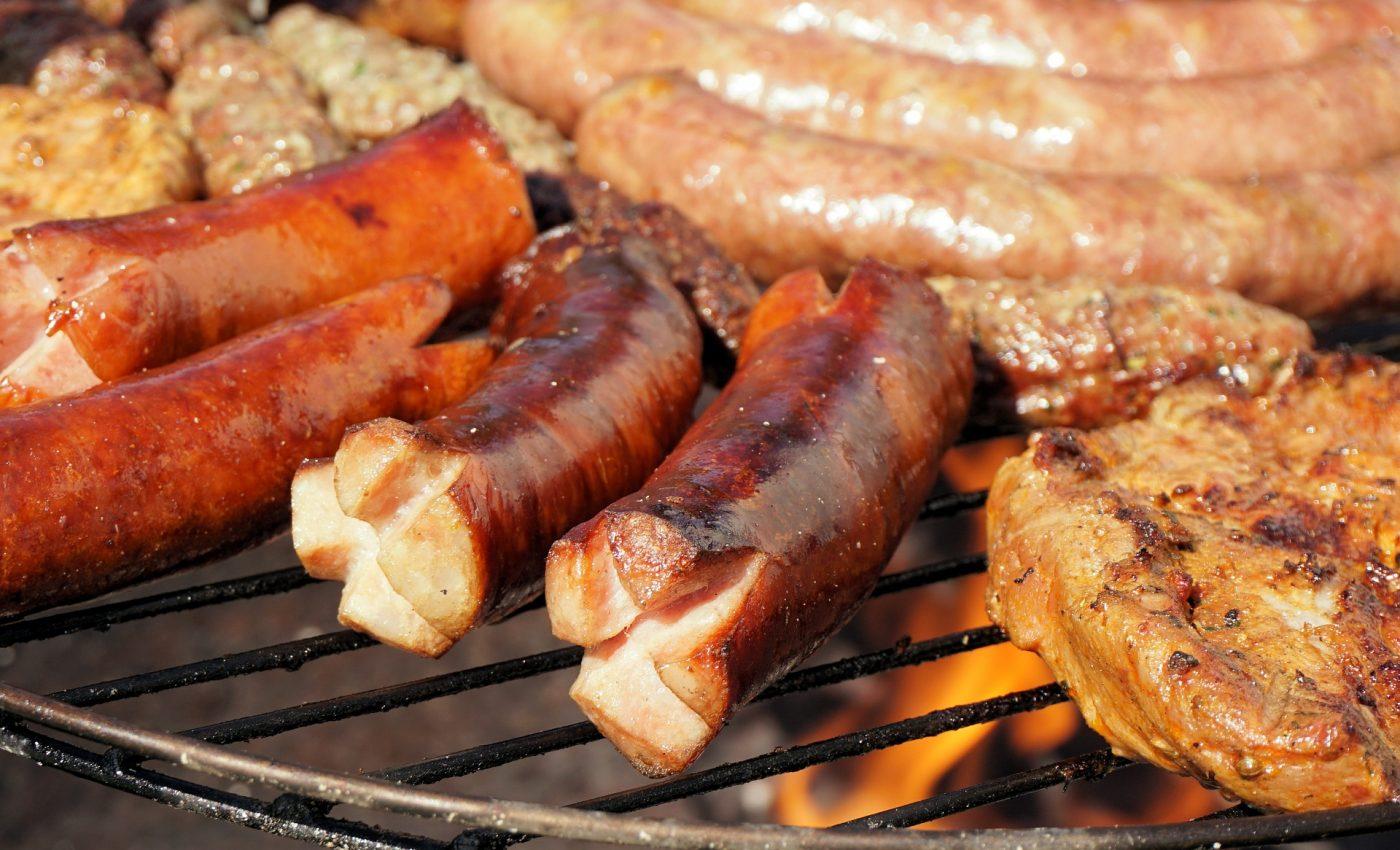 carne gratar 1 mai - sfatulparintilor.ro - pixabay_com - grill-1532334_1920