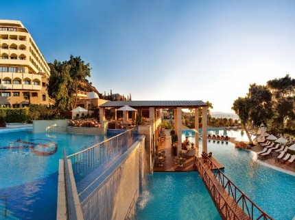 pool1111_at_the_amathus_beach_hotel