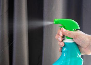 lucruri personale pe care trebuie sa le cureti - sfatulparintilor.ro - pixabay_com - disinfectant-5093503_1920