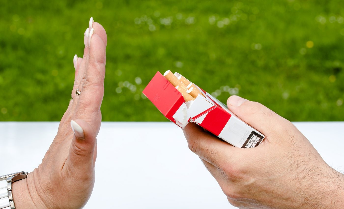 beneficii daca te lasi de fumat- tigari - sfatulparintilor.ro - pixabay-com _ non-smoking-2383236_1920