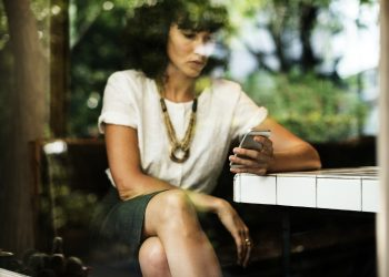 Cum iti afecteaza sanatatea telefonul mobil