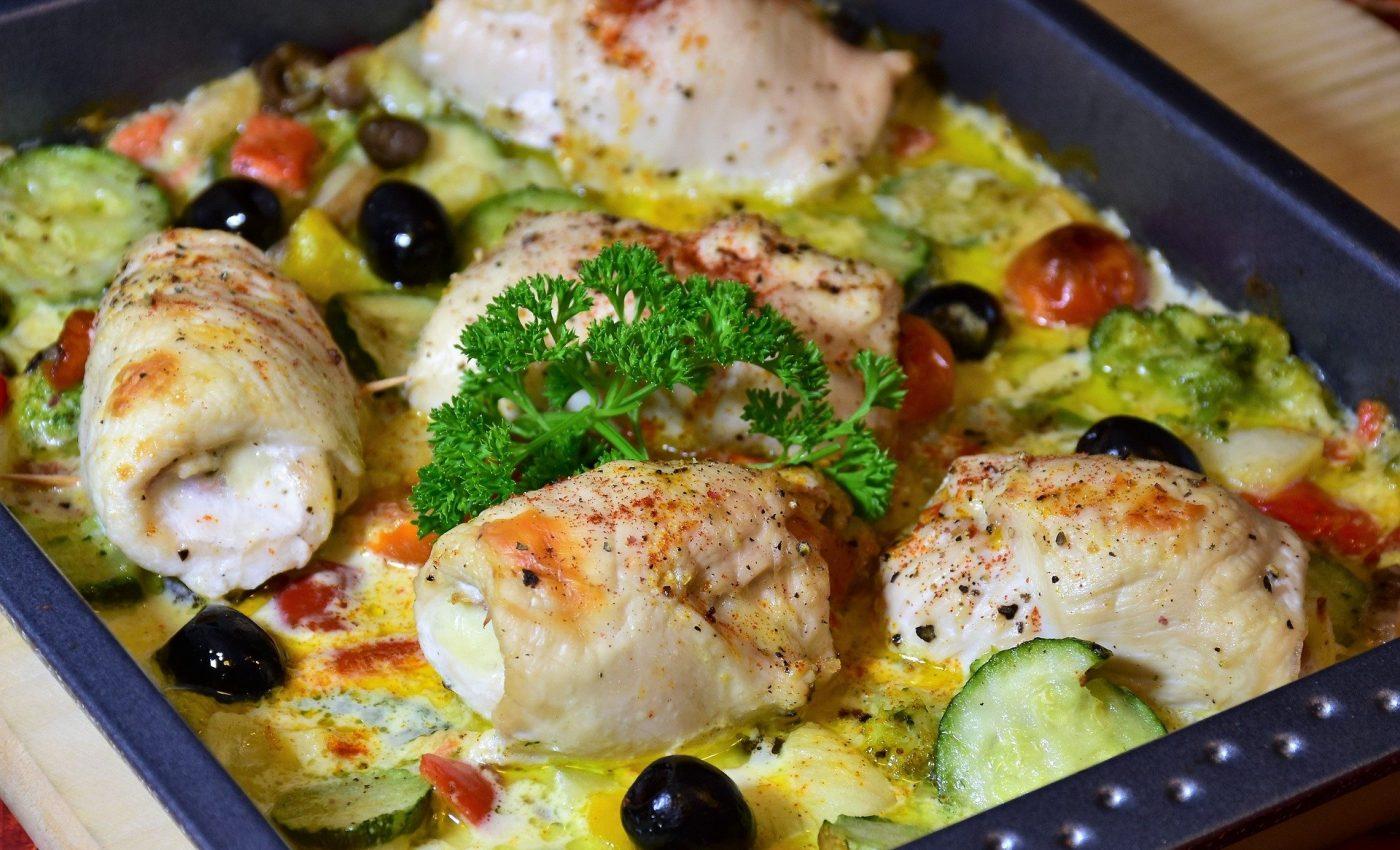 Alimente cu multe proteine si putini carbohidrati - sfatulparintilor.ro - pixabay_com - chicken-3955224_1920