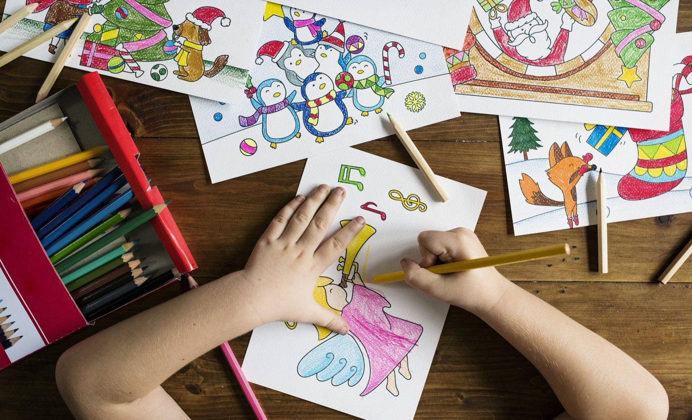 metode pentru a dezvolta creativitatea - sfatulparintilor.ro - pixabay-com - kids-2985782_1920