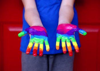Ce faci daca afli ca ai un copil homosexual - sfatulparintilor.ro - pixabay-com - human-rights-3805188_1920
