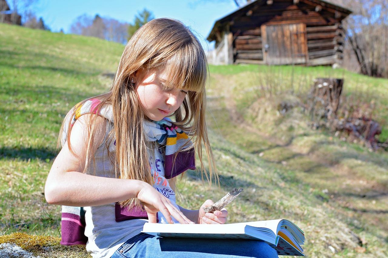 citit carti copii - sfatulparintilor.ro - pixabay_com
