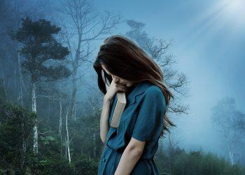 singuratatea iti face bine - sfatulparintilor.ro - pixabay_com - girl-3421489_1920