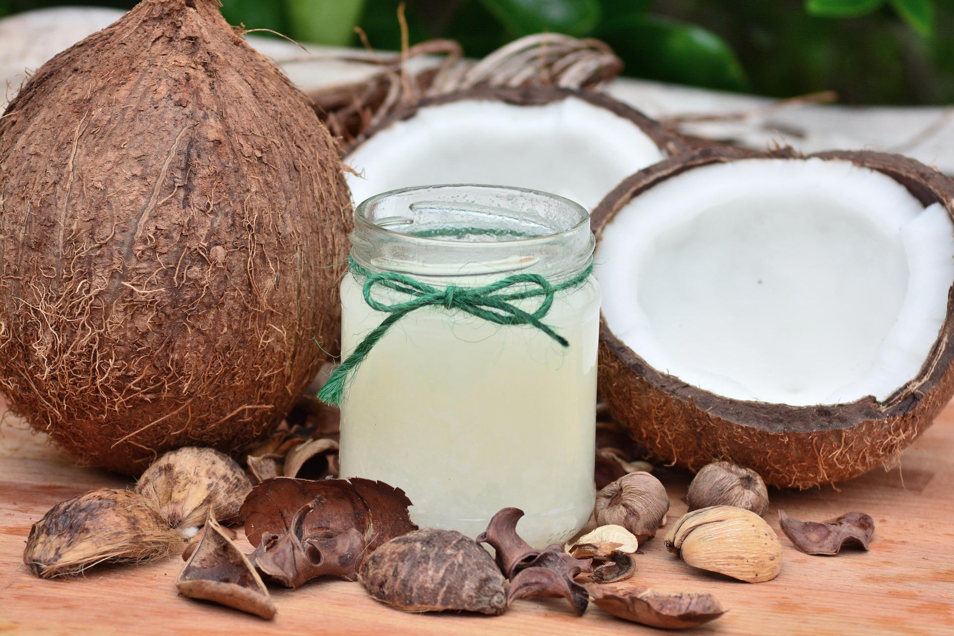ulei de cocos - sfatulparintilor.ro - pixabay_com - food-3062139_1920