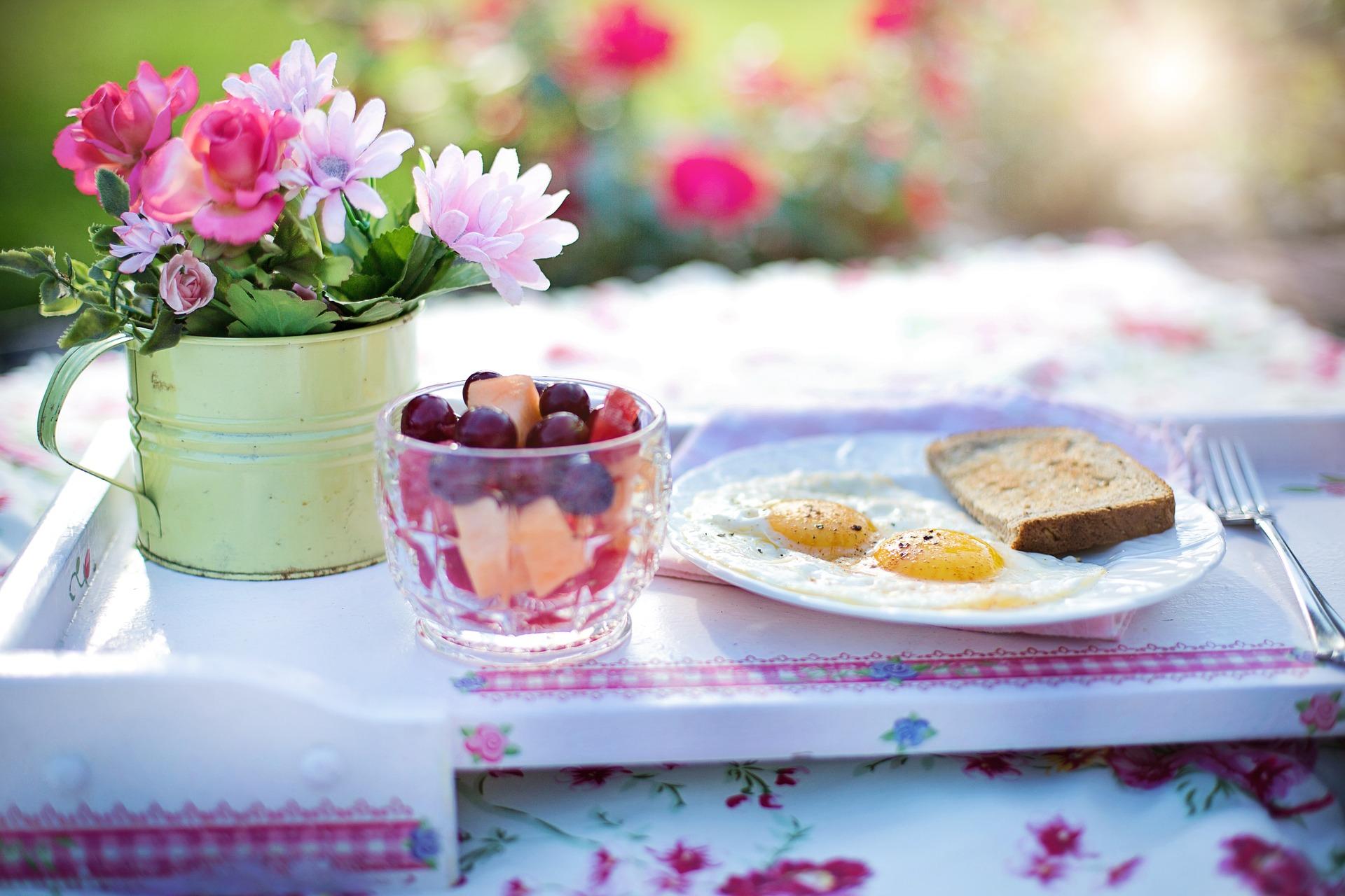 dimineata mic dejun - sfatulparintilor.ro - pixabay_com