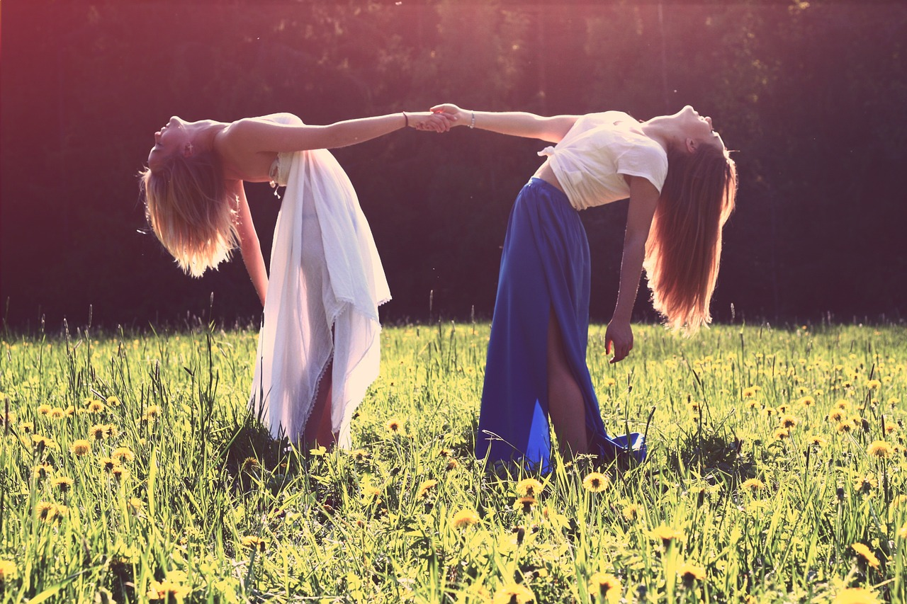 intimitate - prietenie - sfatulparintilor.ro - pixabay_com