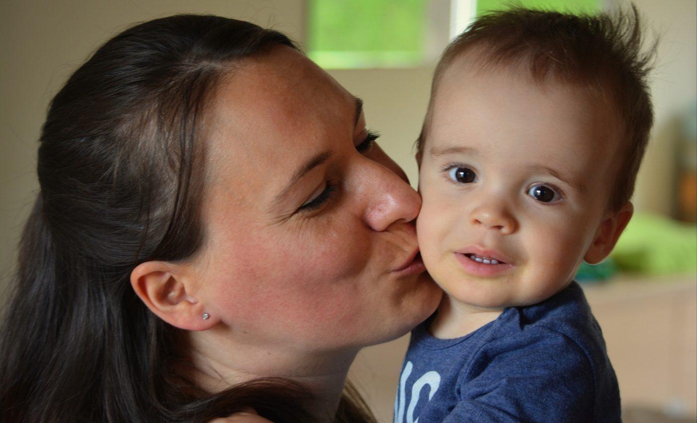 mame - copii - sfatulparintilor.ro - pixabay_com