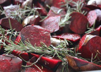 sa incluzi sflecla rosie in alimentatia ta - sfatulparintilor.ro - pixabay-com - red-beets-1314074_1920