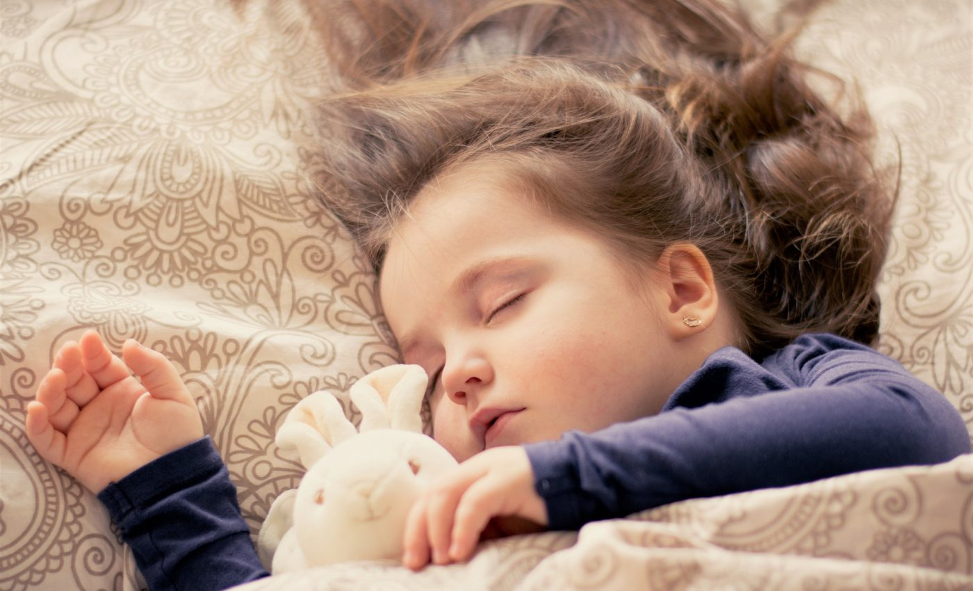 somn copii - sfatulparintilor.ro - pixabay_com - baby-1151348_1920