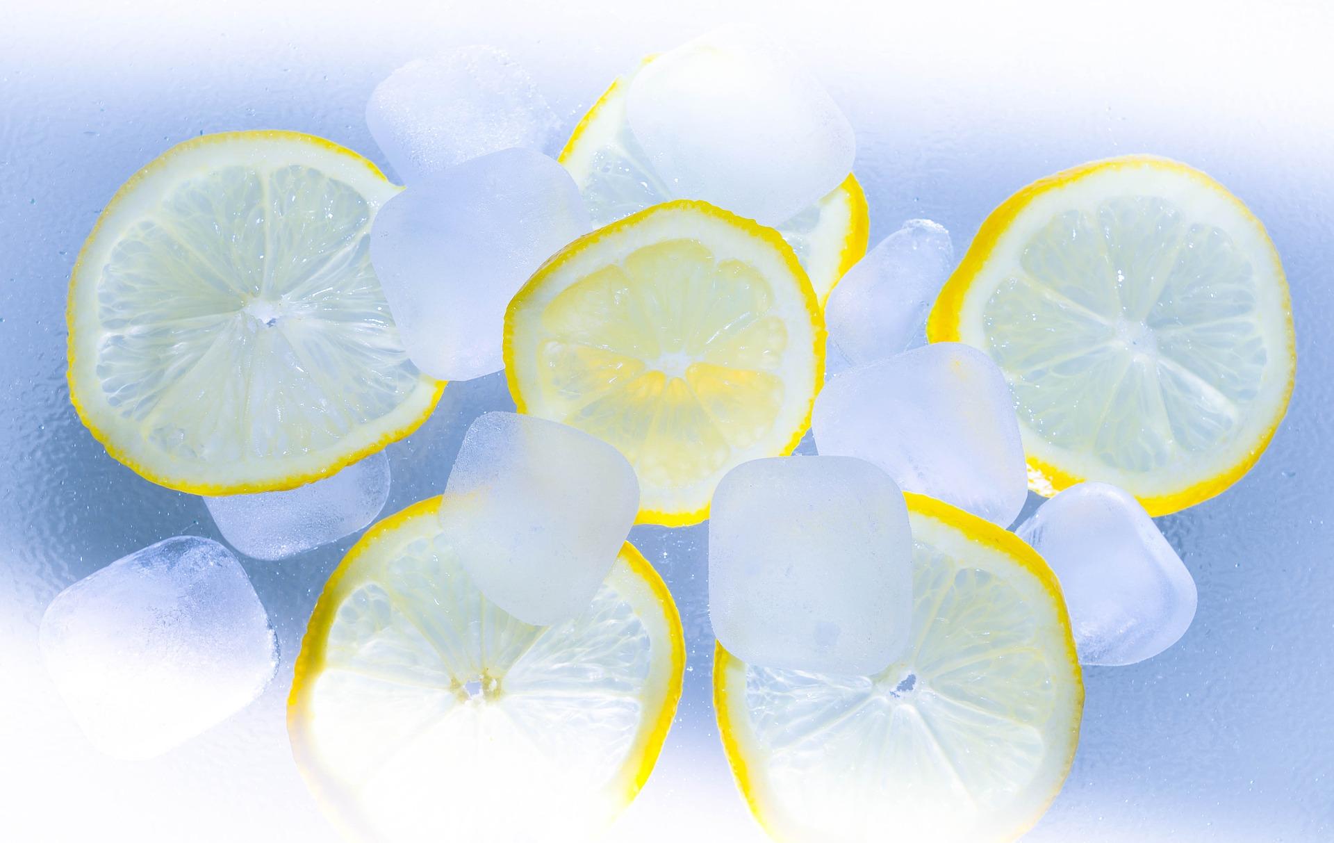 lamaie congelata - sfatulparintilor.ro - pixabay_com