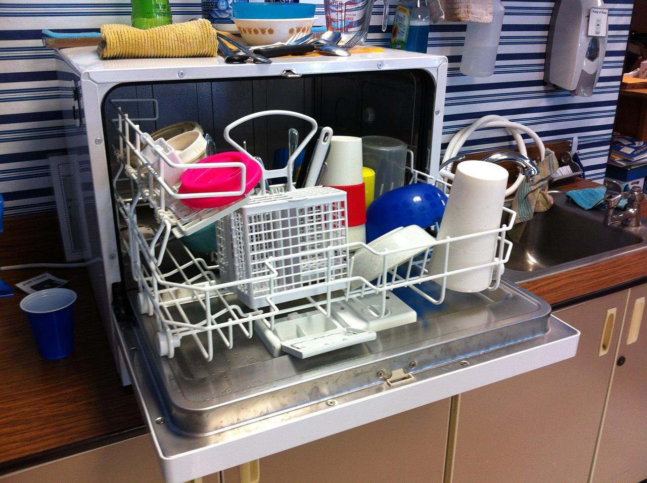 masina de spalat vase - sfatulparintilor.ro - pixabay_com