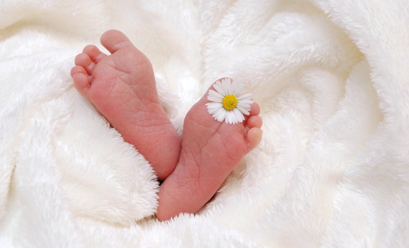 Cum sunt nasterea si alaptarea in Franta - sfatulparintilor.ro - pixabay_com - baby-718146_1920
