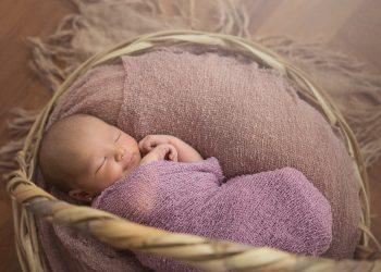 Cum sa adormi bebelusul - sfatulparintilor.ro - pixabay_com - newborn-3540499_1920