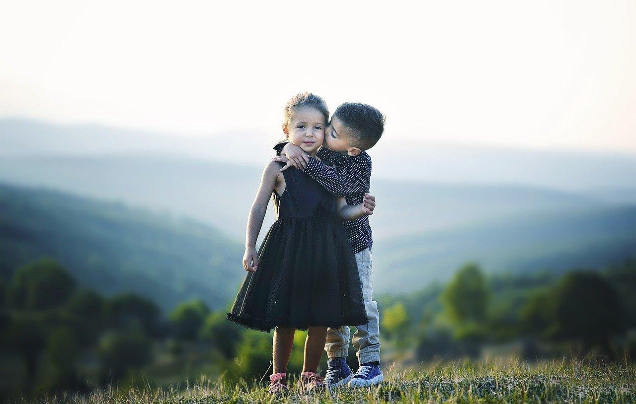 Ce sa le spui copiilor despre relatiile de cuplu