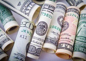 obiceiuri care te saracesc - SFATULPARINTILOR.RO - PIXABAY_COM - dollar-1362244_1920