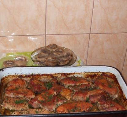 Friptura cu garnitura de ciuperci coapte