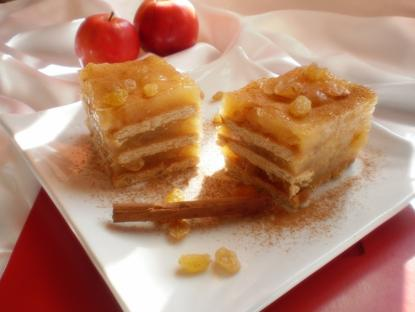 Prajitura cu mere si biscuiti