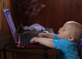 copii computer - sfatulparintilor.ro - pixabay_com - kid-1520705_1920