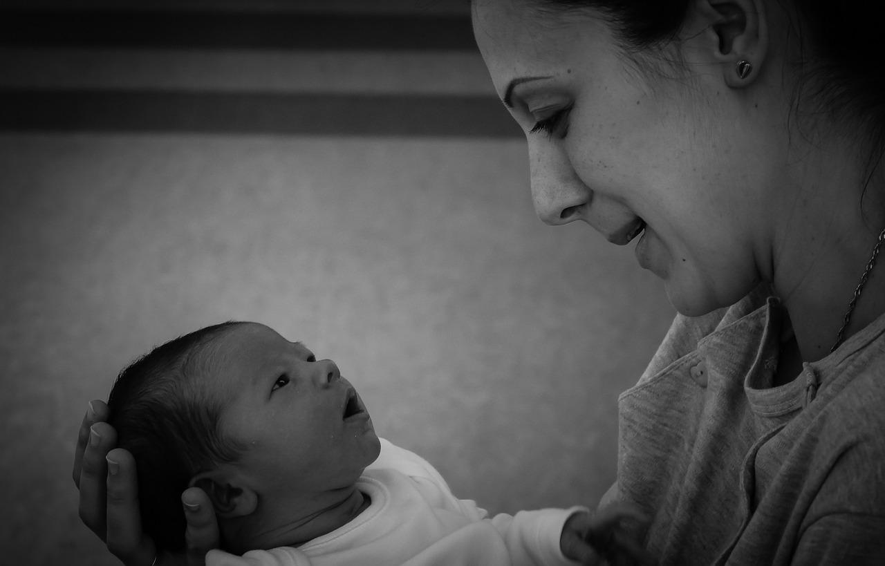maternitate bebelusi - sfatulparintilor.ro - pixabay_com