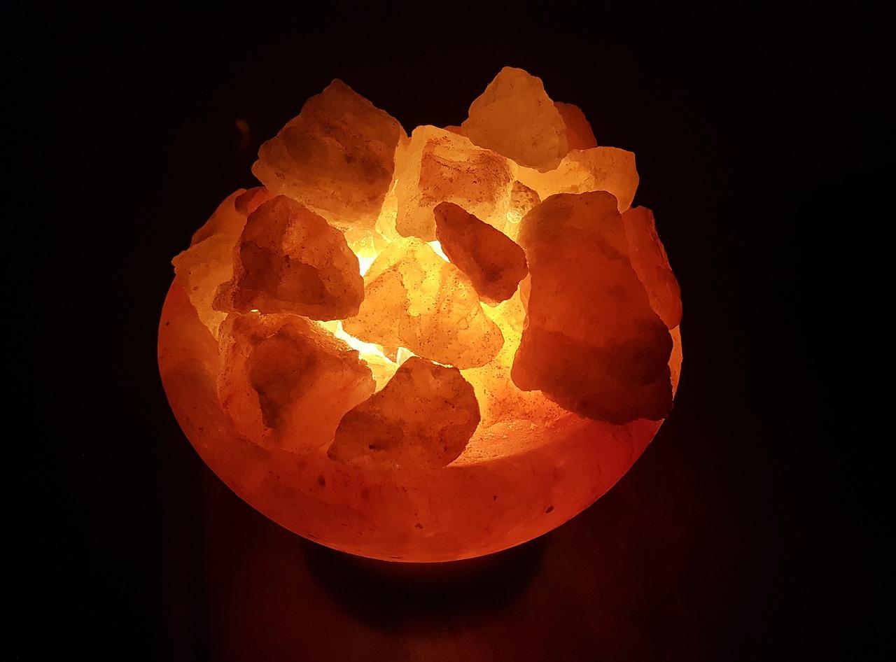 lampa de sare - sfatulparintilor.ro - pixabay_com