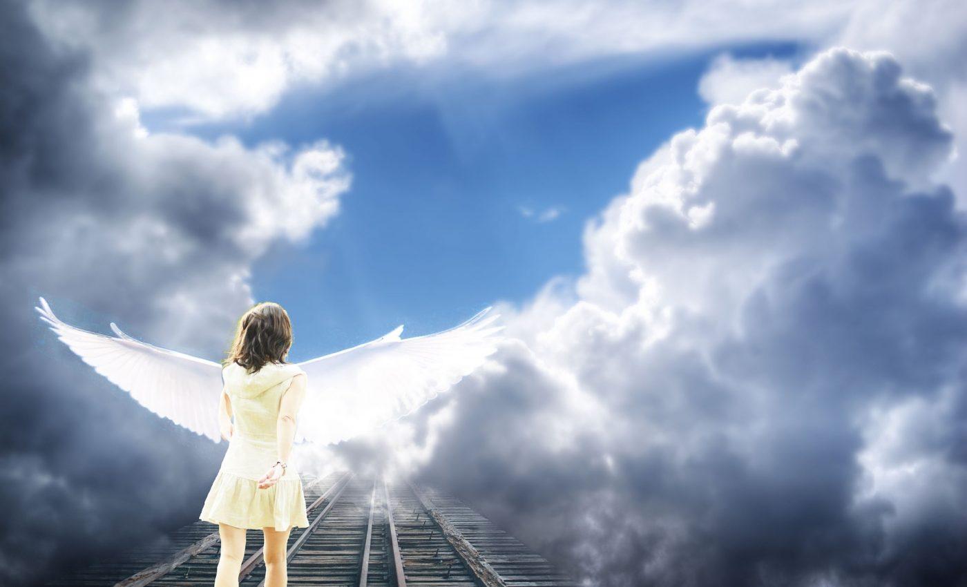 experiente viata dupa moarte - sfatulparintilor.ro - pixabay_com - angel-669262_1920