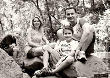 Stai cu sotul de dragul copiilor - sfatulparintilor.ro - pixabay_com - family-286247_1920